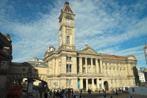Visit the Birmingham museum and art gallery whilst on a canal boat holiday with Great British Boating