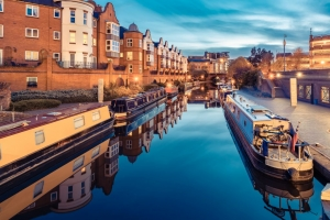 explore Birmingham on a canal walk and tour
