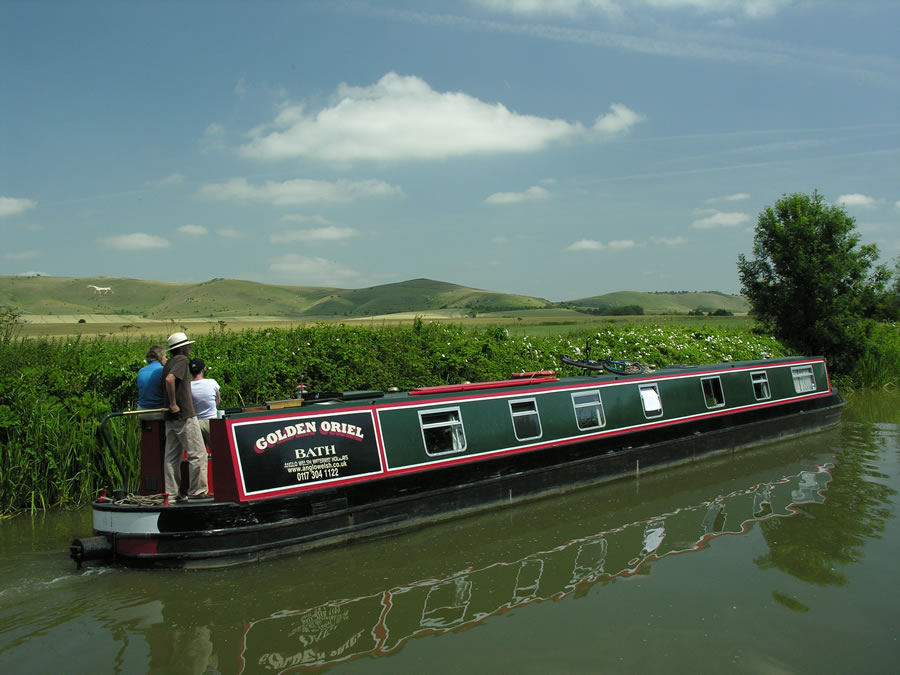 Enjoy a canal boat or narrowboat holiday with Great british Boating