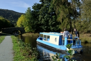 Day hire canal boat with Great British Boating