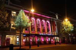 Visit the Wolverhampton Grand Theatre on a canal boat holiday