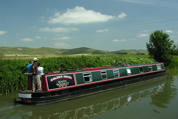 Cruising rings and circular routes for canal boat and narrowboat holidays.