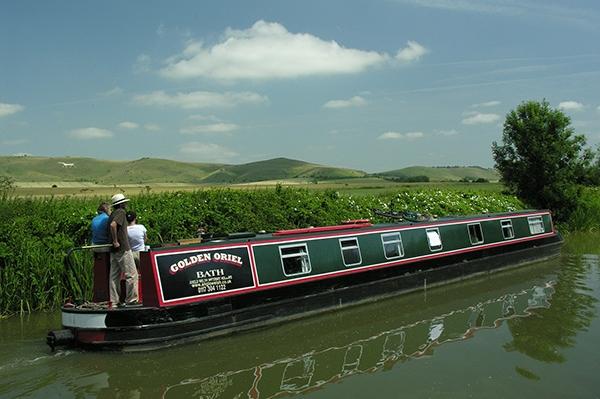 Cruising rings and circular routes for canal boat and narrowboat holidays.